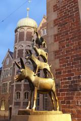 Bremer Stadtmusikanten in Bremen (Deutschland) am Abend