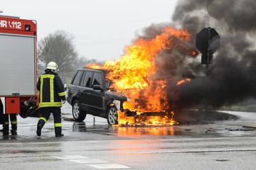 Feuerwehr - Brennender PKW