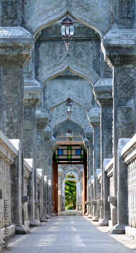 arch-walkway-w-tirtagangga-taman-ujung-water-palace