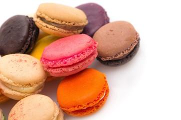 Macarons multicolores.