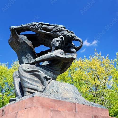 Frederic Chopin monument in Warsaw © Aleksey Stemmer