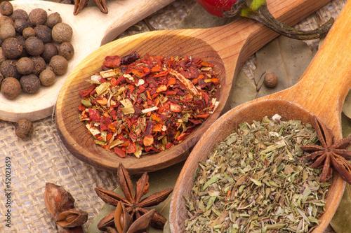 Zdjęcia na płótnie, fototapety na wymiar, obrazy na ścianę : Spices and herbs