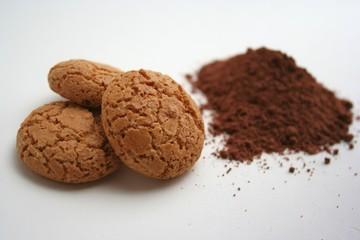 Amaretti e cacao - ingredienti per dolce