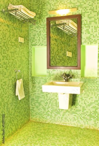 Papiers peints Inde Bright clean bathroom sink