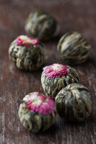 White Tea Balls with Lychee Flower