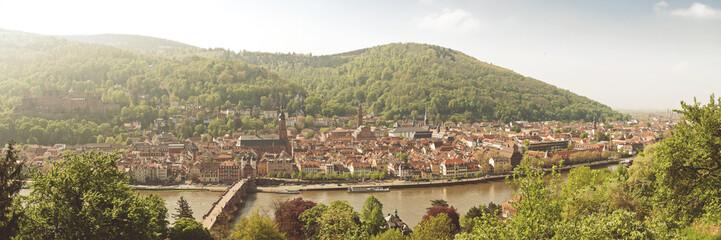 Blick auf Heidelberge Altstadt im ersten Morgenlicht