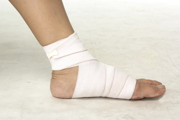 Closed up woman put on Elastic bandage