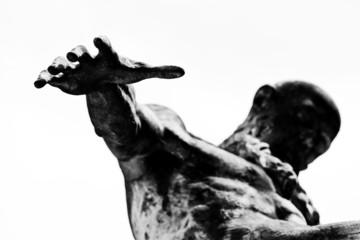 mano tesa - the hand