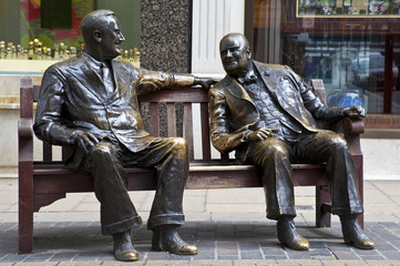 Franklin D. Roosevelt & Winston Churchill Statue in London