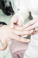 Scambio degli anelli alle nozze