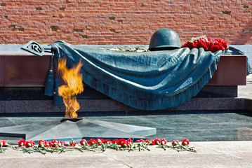 Tomb of the Unknown Soldier with eternal flame in Alexander Gard