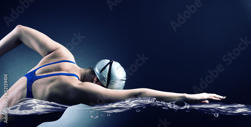 canvas print picture Swimmer swims.