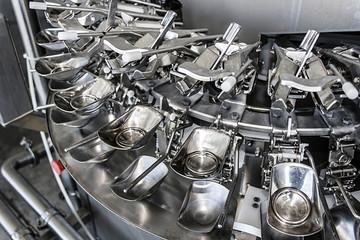 Industrial machinery for broken eggs 1