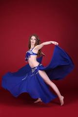 Танцовщица танца живота