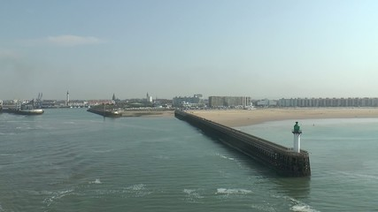 plage de calais vu de la mer