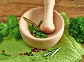 Kräuter für Pesto