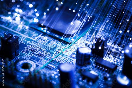 scheda elettronica con fibre ottiche