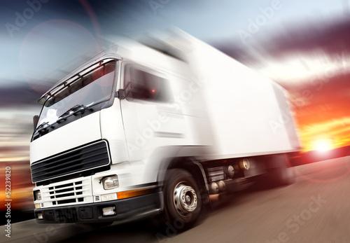 canvas print picture velocidad del camión. Camiones en entrega de la mercancía
