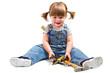 bambina con attrezzi da lavoro