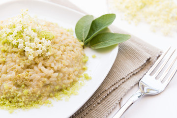 Risotto with elderflowers