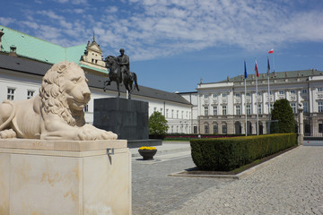 Palace of Polish President  and statue of Jozef Poniatowski in W