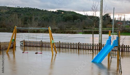 Flood - 52318626