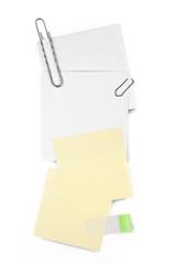 Postits und Büroklammern