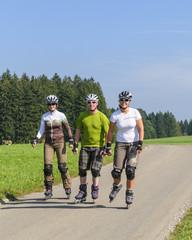 Drei Inline-Skater