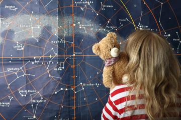Mädchen Teddy Sternenhimmel