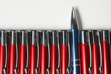 bolígrafos en oposición