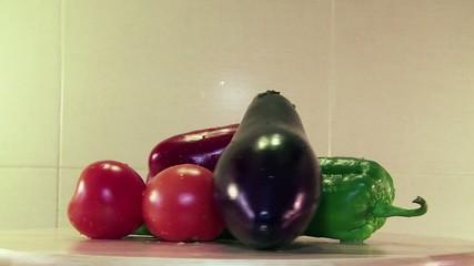 Berenjena, pimiento rojo, pimiento verde, tomates