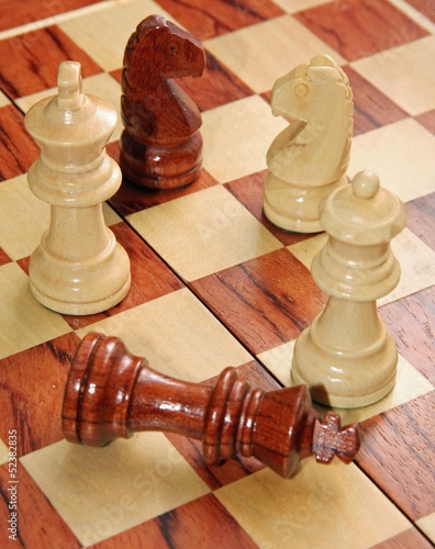 checkmate with the King threw and the White Queen who wins