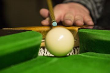 Snooker anstoß weiße kugel