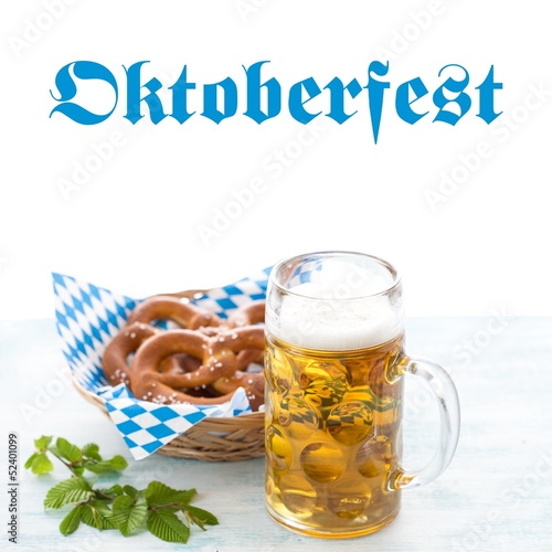 canvas print picture Oktoberfest beer and pretzels