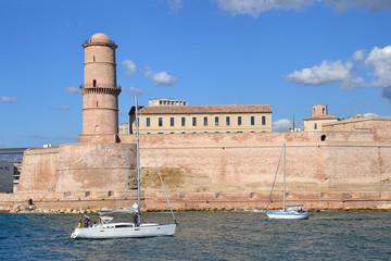 Vue sur le Fort St Jean à Marseille