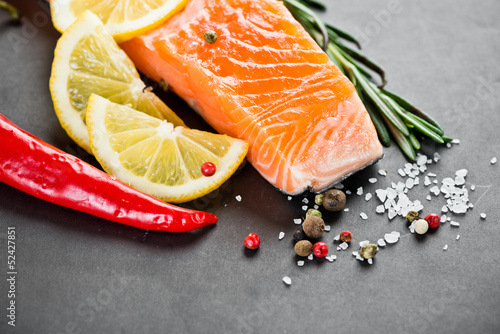 Salmon fillet with lemon