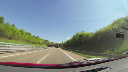 Fahrt durch einen Tunnel