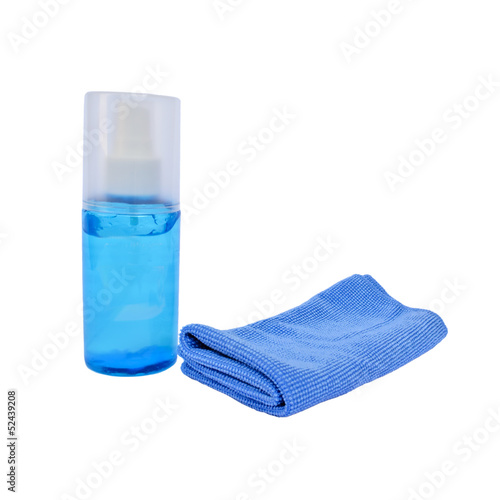 Microfiber cloth and cleaning gel