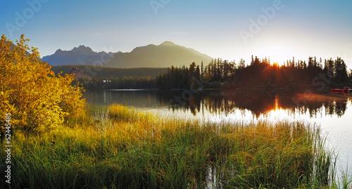 lake and sun - Slovakia Tatras, Strbske pleso © TTstudio