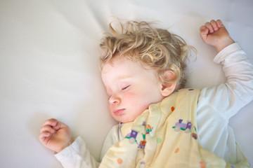 Baby im Schlafsack