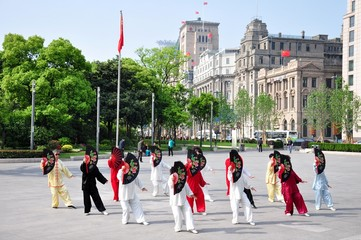 Tai Chi am Bund in Shanghai China 7