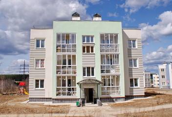 Трёхэтажный жилой дом в Подмосковье. Новое Нахабино