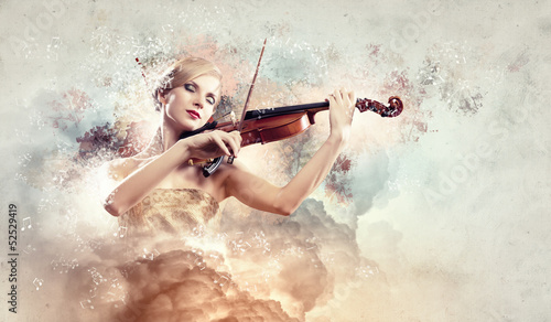Fotobehang Muziek Gorgeous woman playing violin