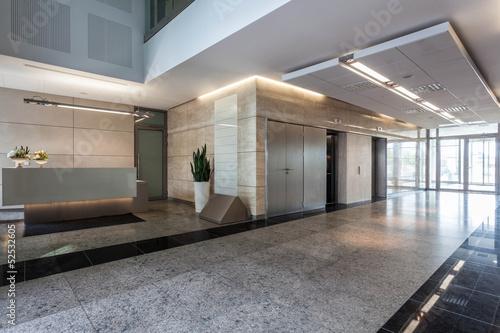 Leinwanddruck Bild Office building