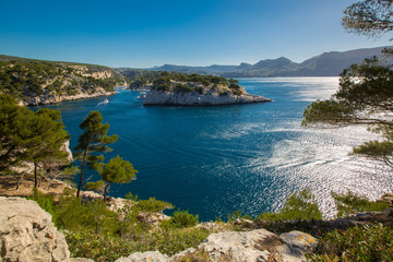 le bleu de la mer Méditerranée