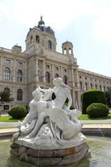 Tritonen- und Najadenbrunnen vor Kunsthistorischen Museum Wien