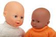 poupées noire et blanche