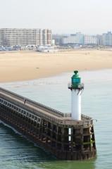 phare de calais et sa plage