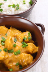 Chicken in almond curry sauce