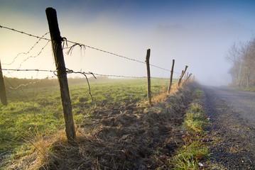 Alambrada delimitando los campos, Cantabria